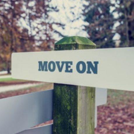 Susah Move On? 9 Cara Ini Bisa Bikin Kamu Cepat Move On Dari Si Dia