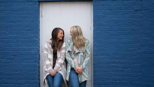 Kok Bisa Kamu dan Sahabat Naksir Orang Yang Sama Alasannya?